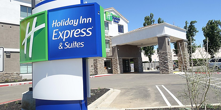 Holiday Inn Express & Suites Brentwood Hotel by IHG