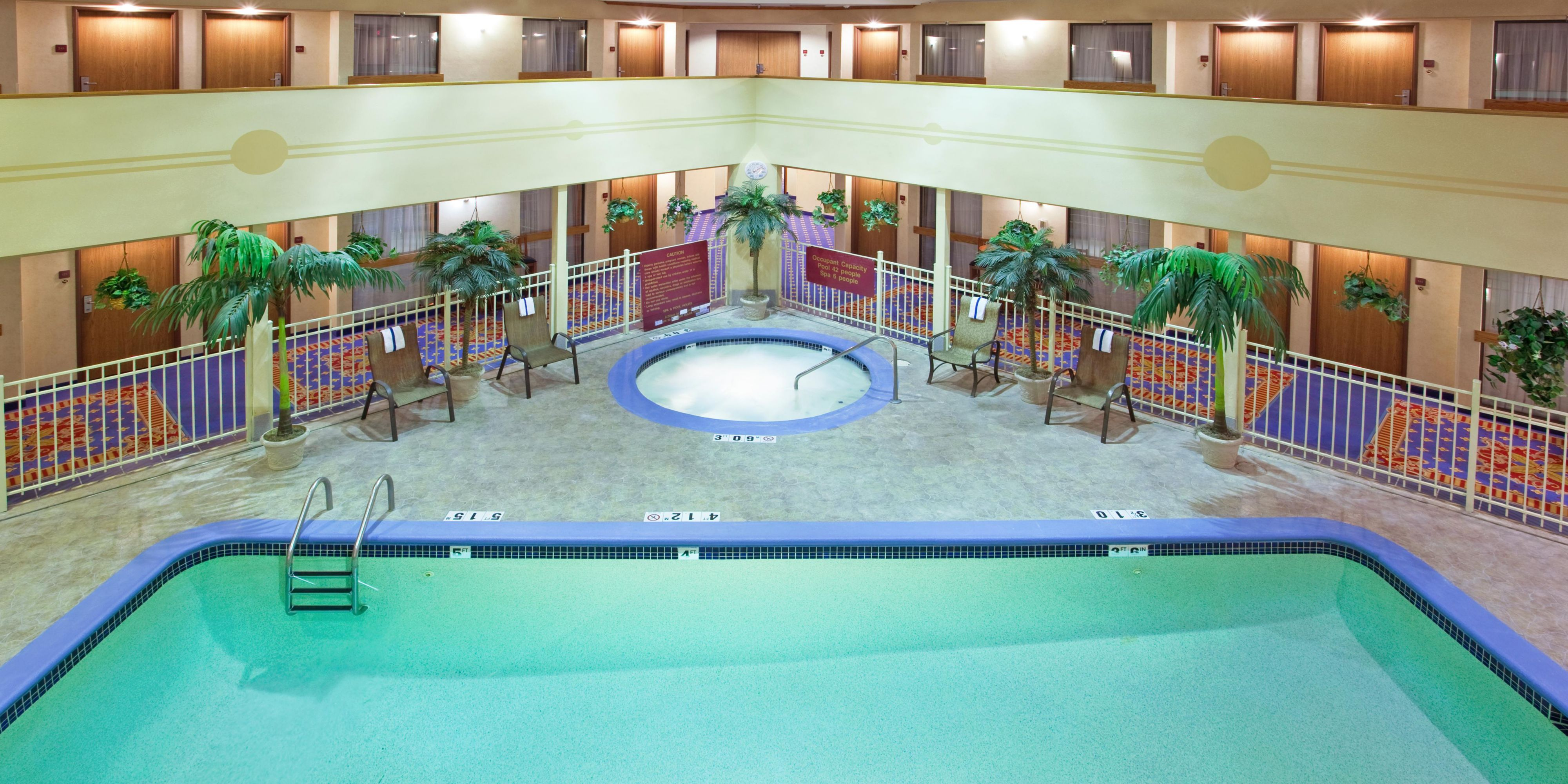 Holiday Inn Express And Suites Brighton 2532166345 2x1