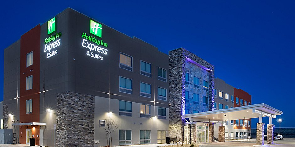 Best Hotels With Indoor Swimming Pools | Holiday Inn Express
