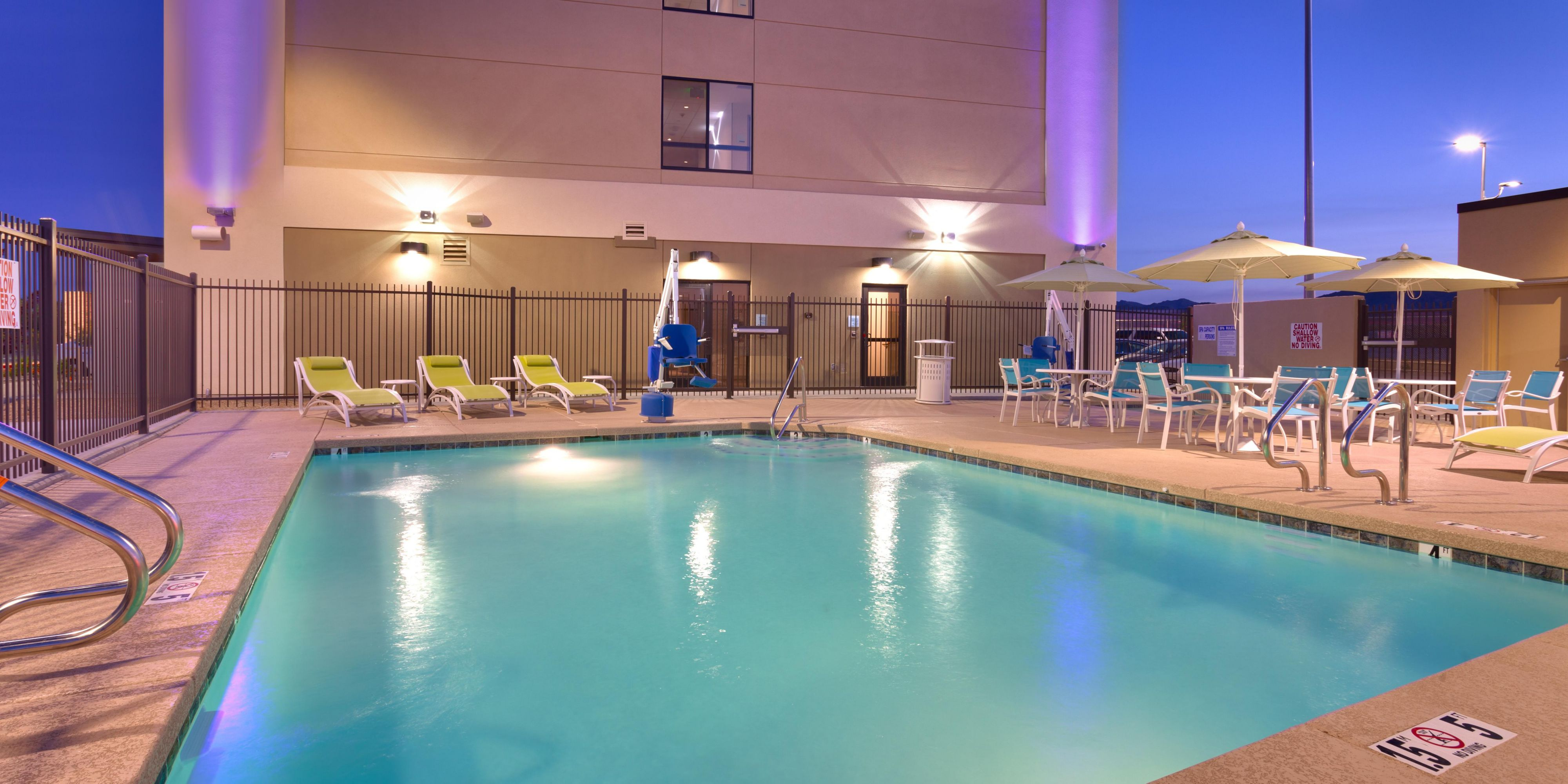 Holiday Inn Express And Suites Buckeye 4405552281 2x1