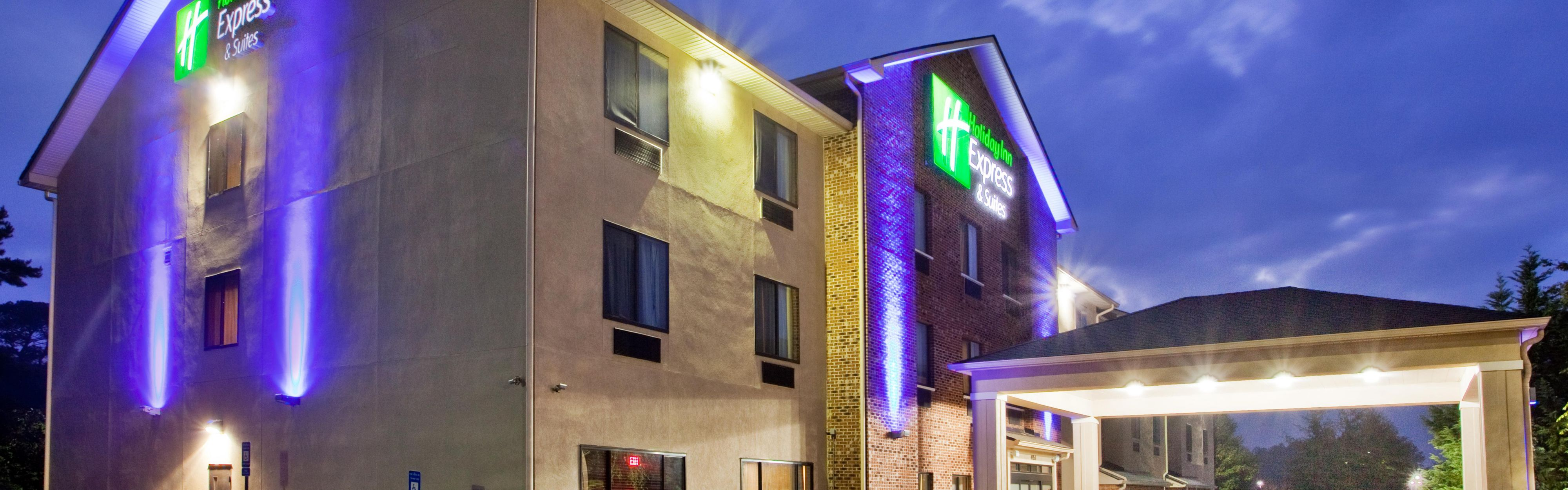 Amazing Front Desk Hotel Exterior With Hotels Near Flowery Branch Ga