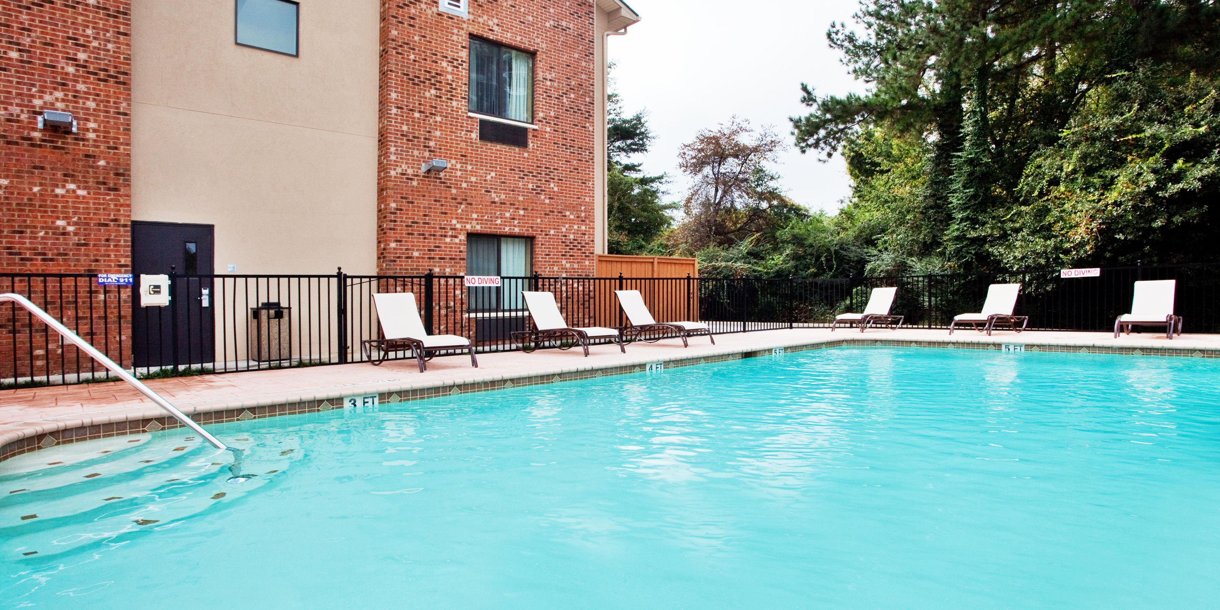 holiday-inn-express-and-suites-buford-2533129616-2x1