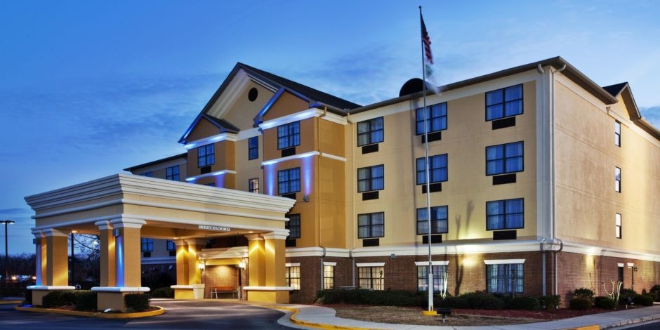 Holiday Inn Express Byron Ga Exterior Feature