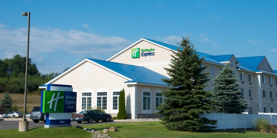 hotels cadillac in express suites mi michigan us hotel holiday deals inn