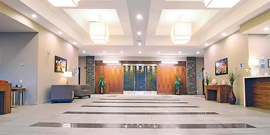 Holiday Inn Express & Suites Calgary NW - University Area Hotel by IHG