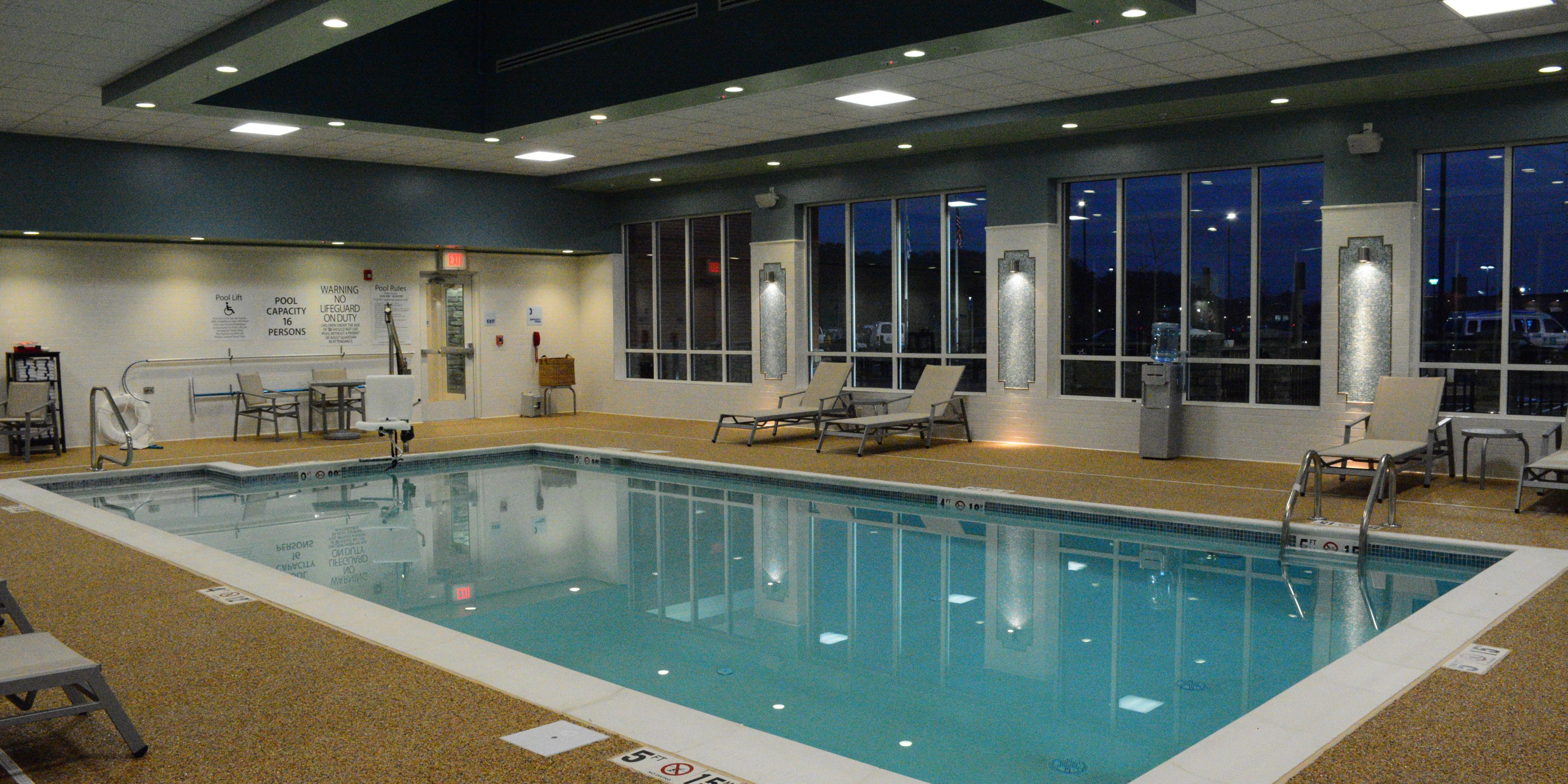 Holiday Inn Express And Suites California 4168548754 2x1