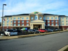 Holiday Inn Express & Suites Lexington Park-California in Solomons, Maryland