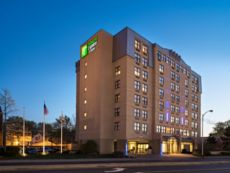 Holiday Inn Express & Suites Boston - Cambridge in Newton, Massachusetts