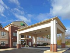 Holiday Inn Express & Suites Camden in Camden, Arkansas