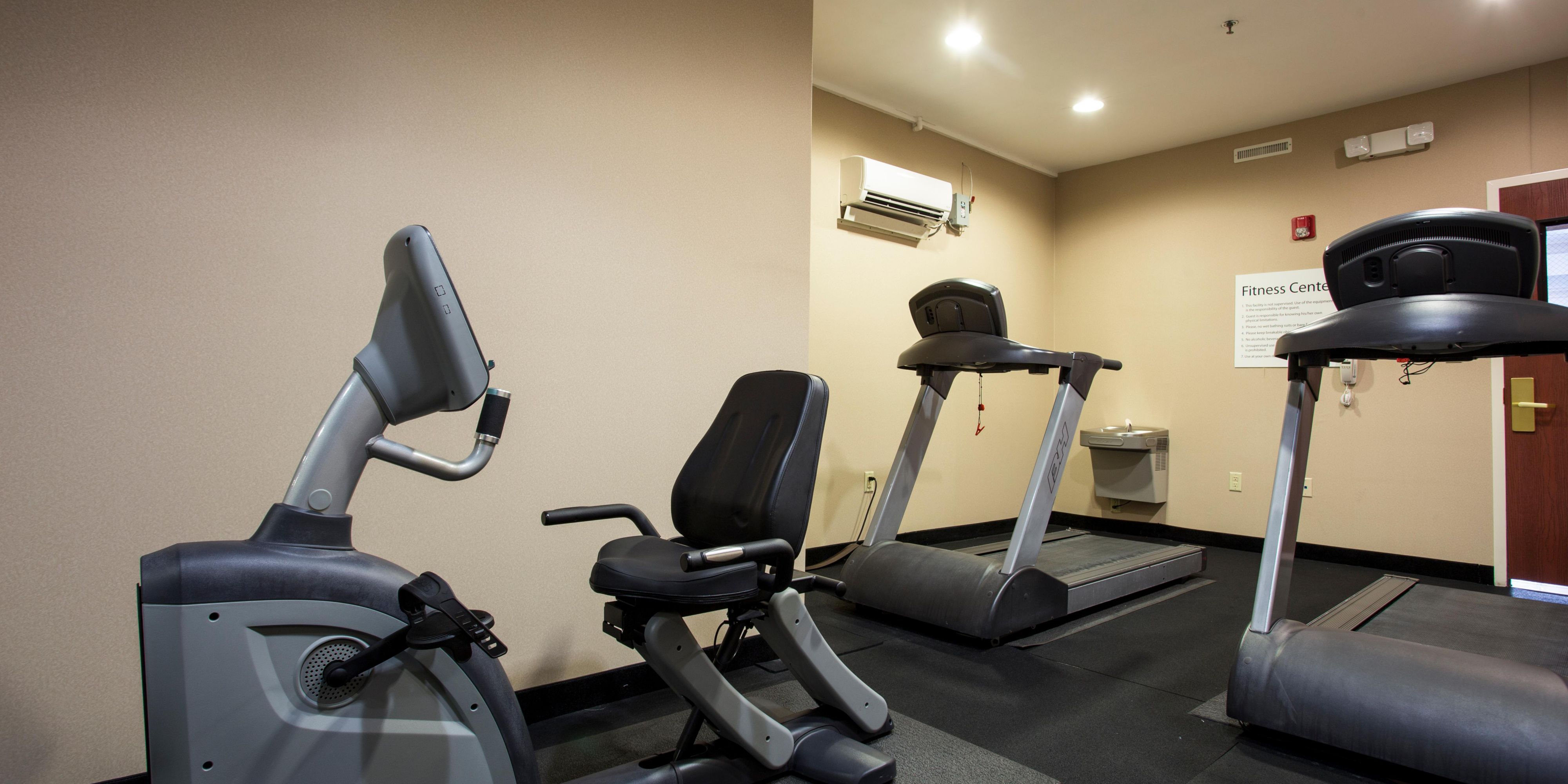 Holiday Inn Express And Suites Camden 4401226067 2x1