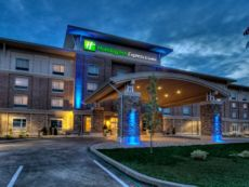 Holiday Inn Express & Suites Pittsburgh SW - Southpointe in Bentleyville, Pennsylvania
