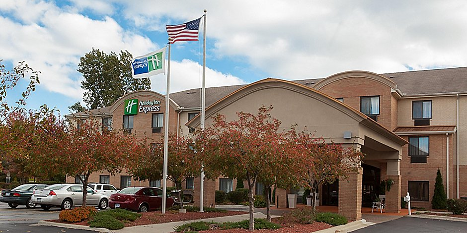 Peachy Holiday Inn Express Suites Canton Hotel By Ihg Download Free Architecture Designs Griteanizatbritishbridgeorg