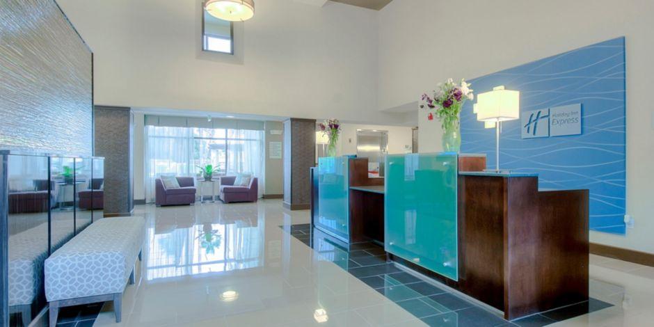 Inviting Entrance And Reception Desk