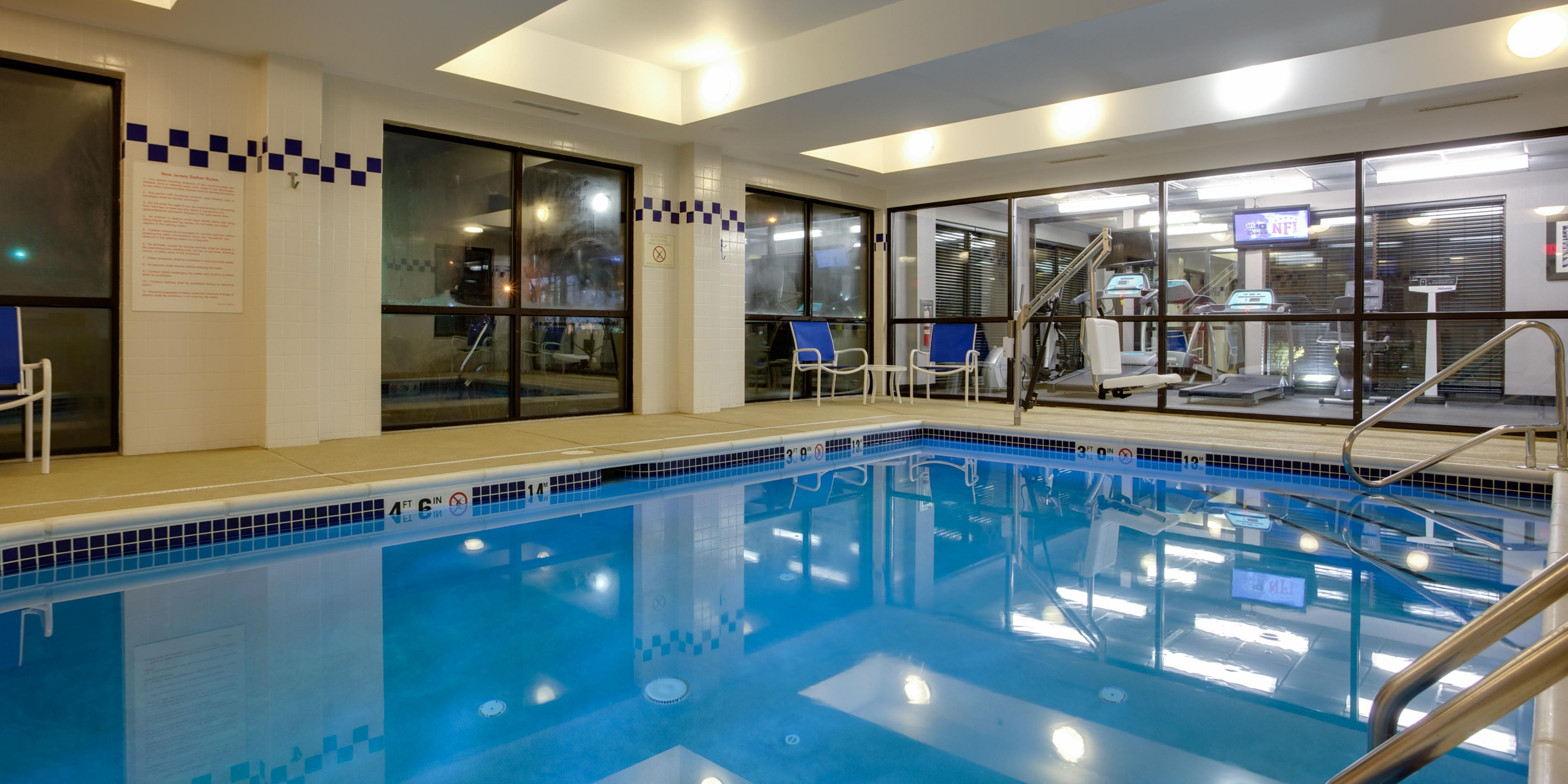 Holiday Inn Express & Suites Meadowlands Area Hotel by IHG
