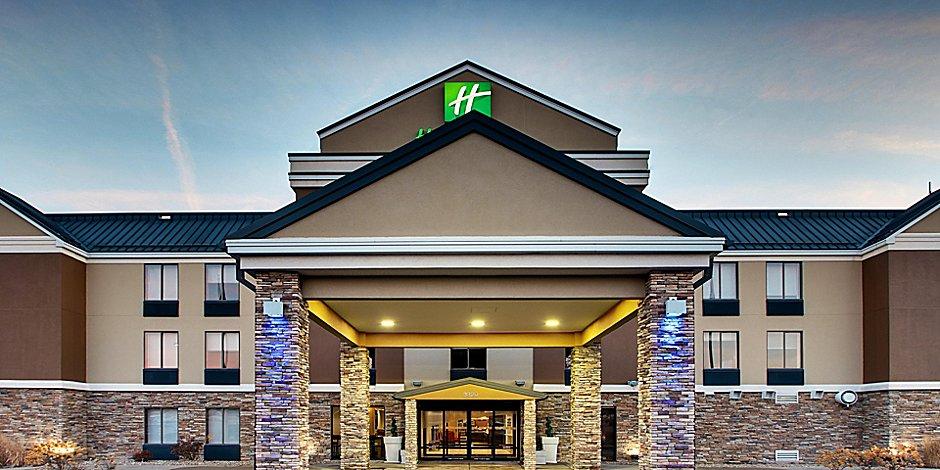 hotels in cedar falls iowa