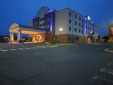 Holiday Inn Express & Suites Charlotte North in Matthews, North Carolina