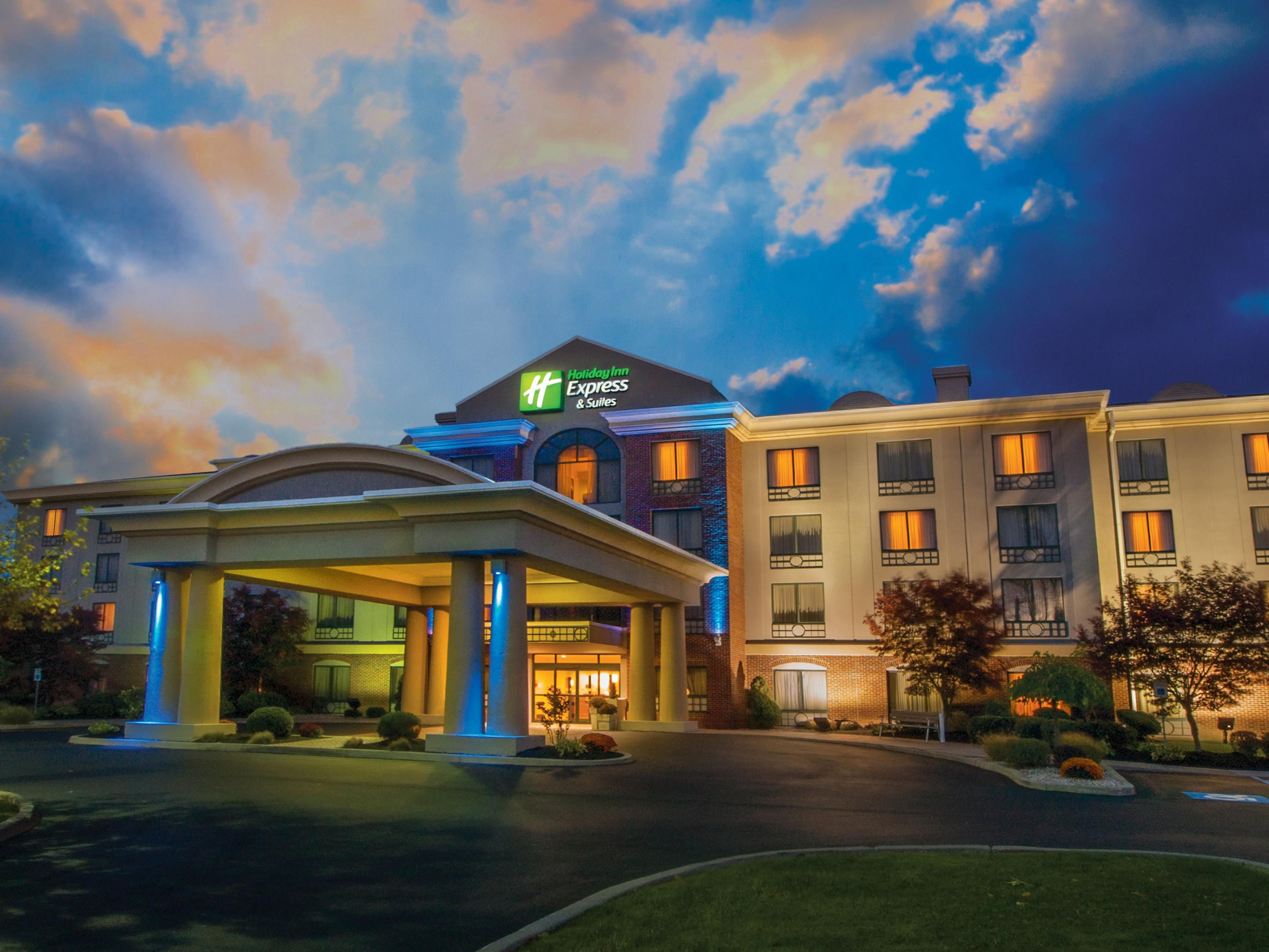 Welcome to the Holiday Inn Express Buffalo Airport.