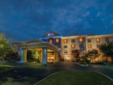 Holiday Inn Express & Suites Buffalo-Airport in Niagara Falls, New York