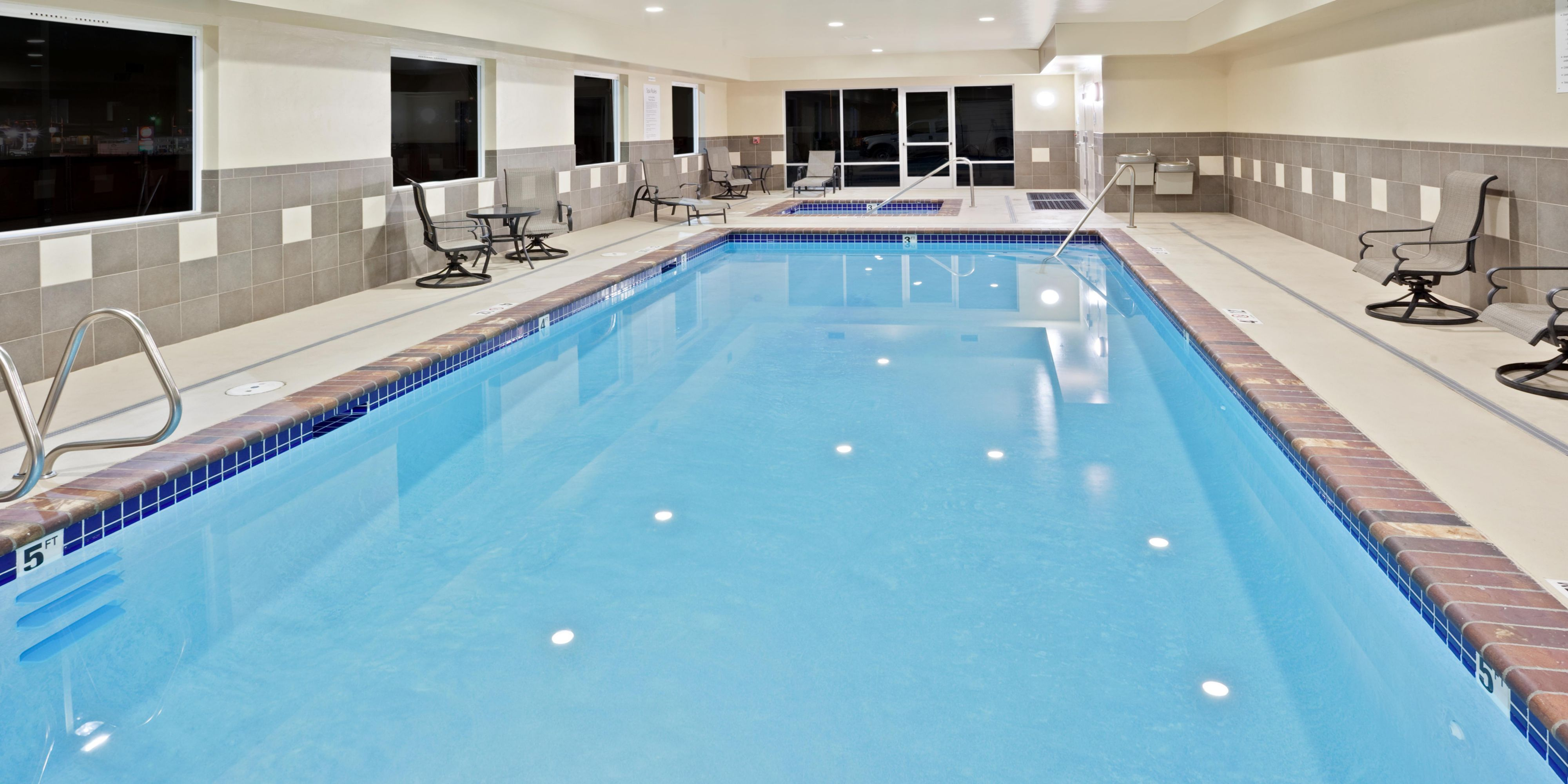 Holiday Inn Express And Suites Chehalis 2533323408 2x1