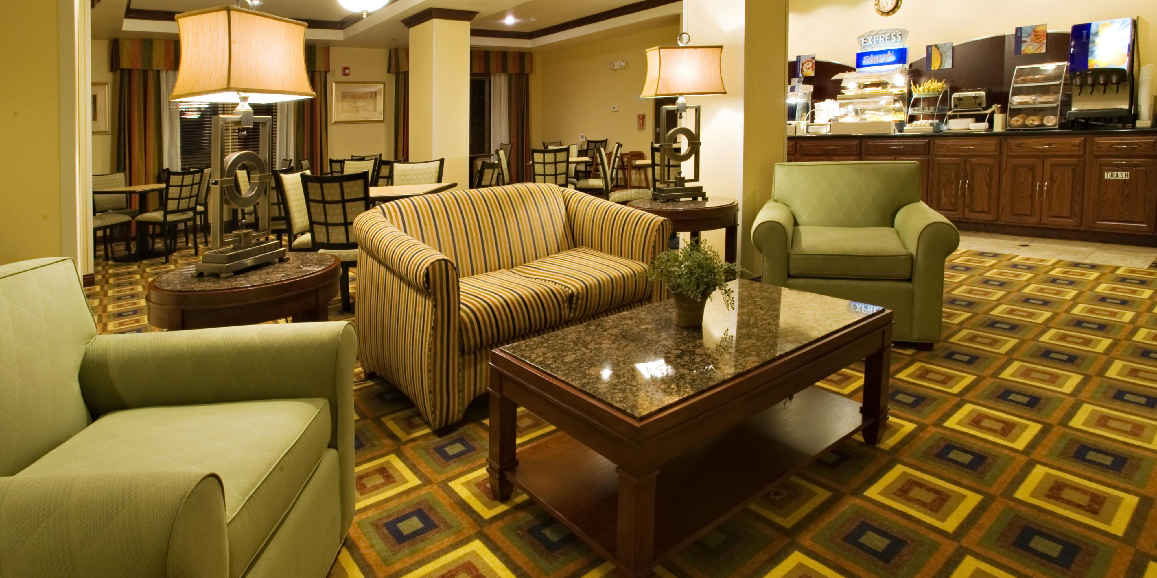 Holiday Inn Express And Suites Childress 4231457801 2x1