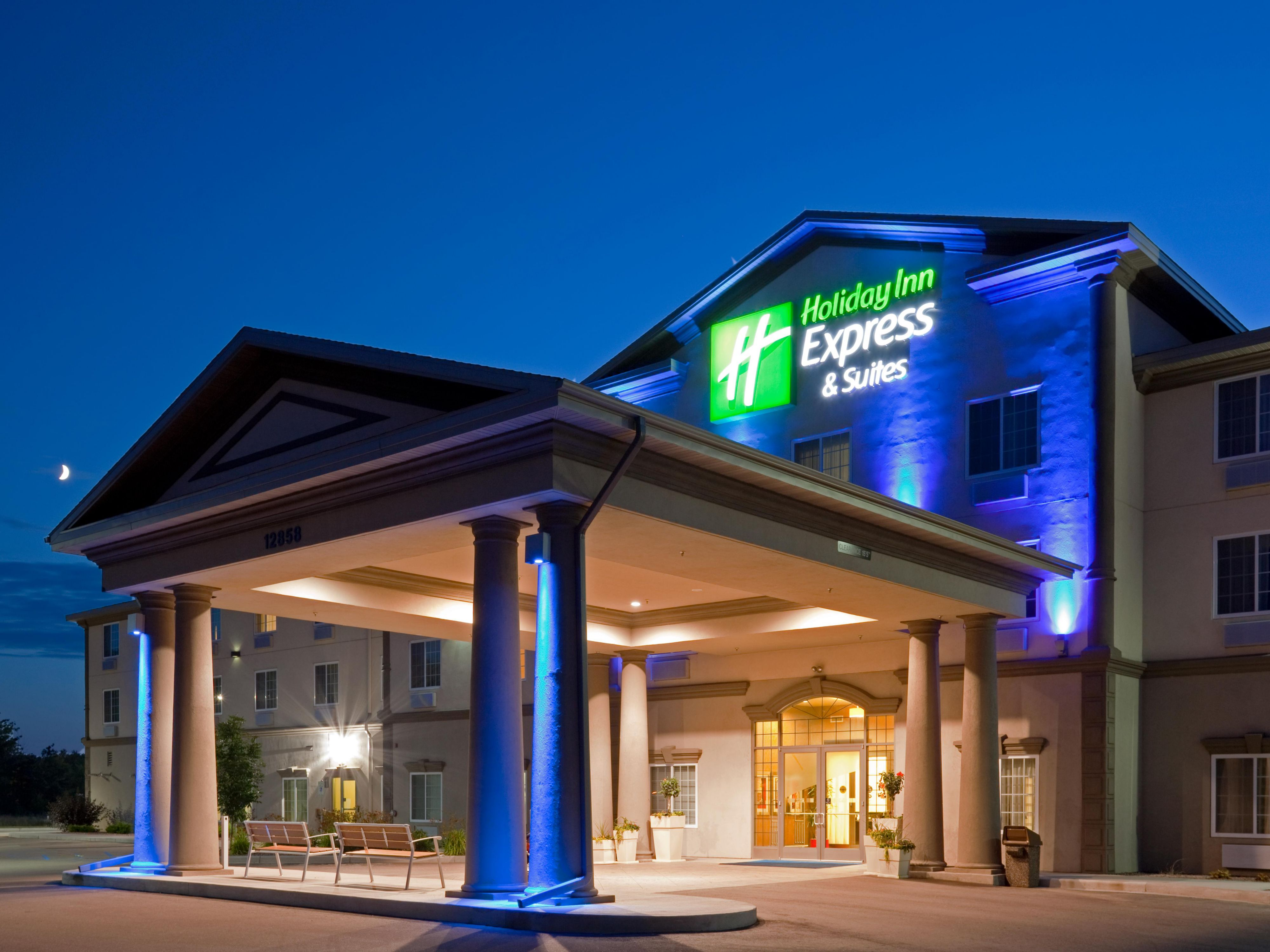 Hotel Exterior Holiday Inn Express Eau Claire North