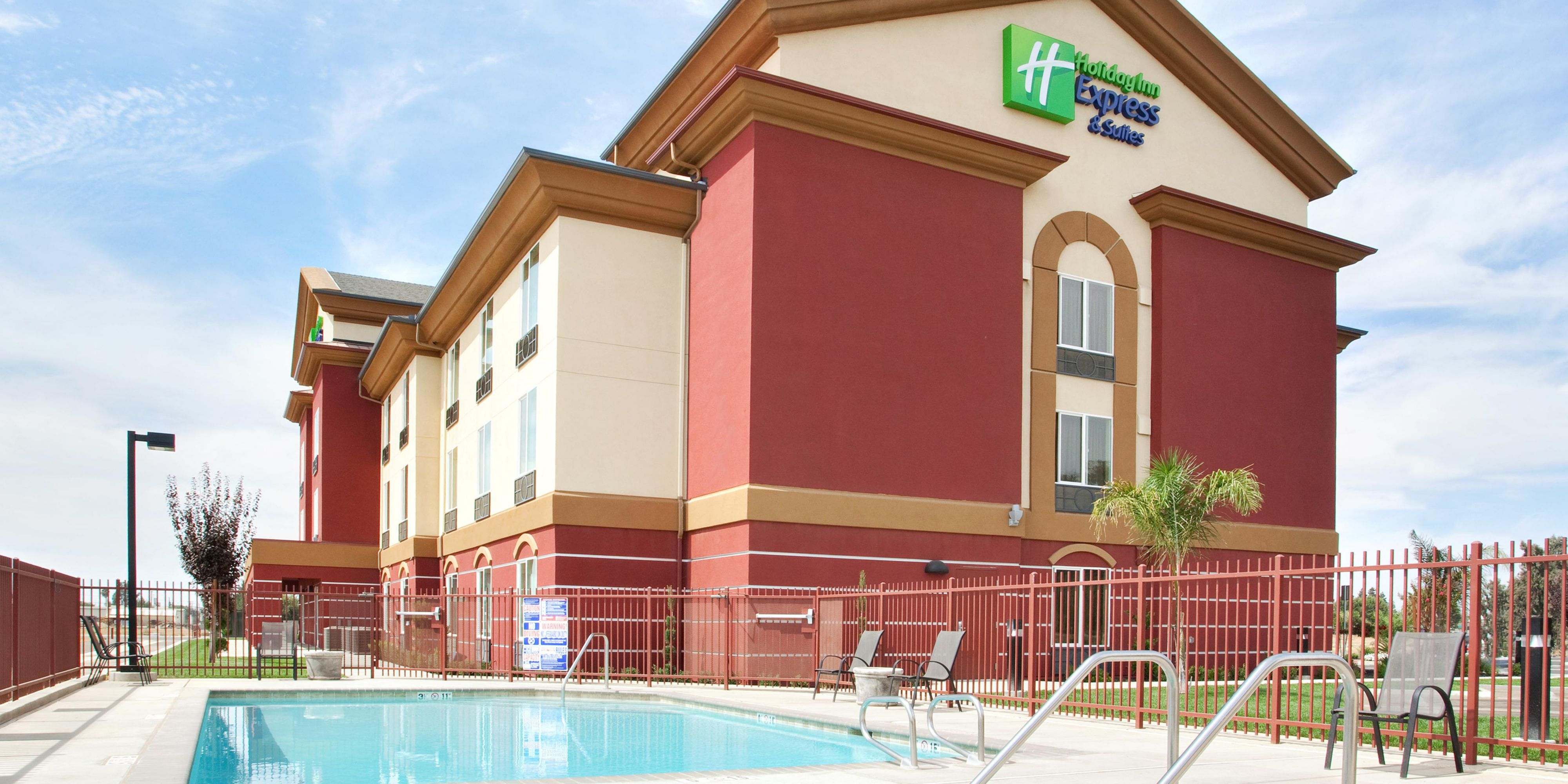Holiday Inn Express And Suites Chowchilla 2532180027 2x1
