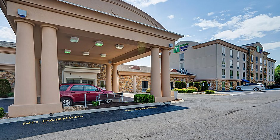 Holiday Inn Express Suites Christiansburg Hotel In Christiansburg