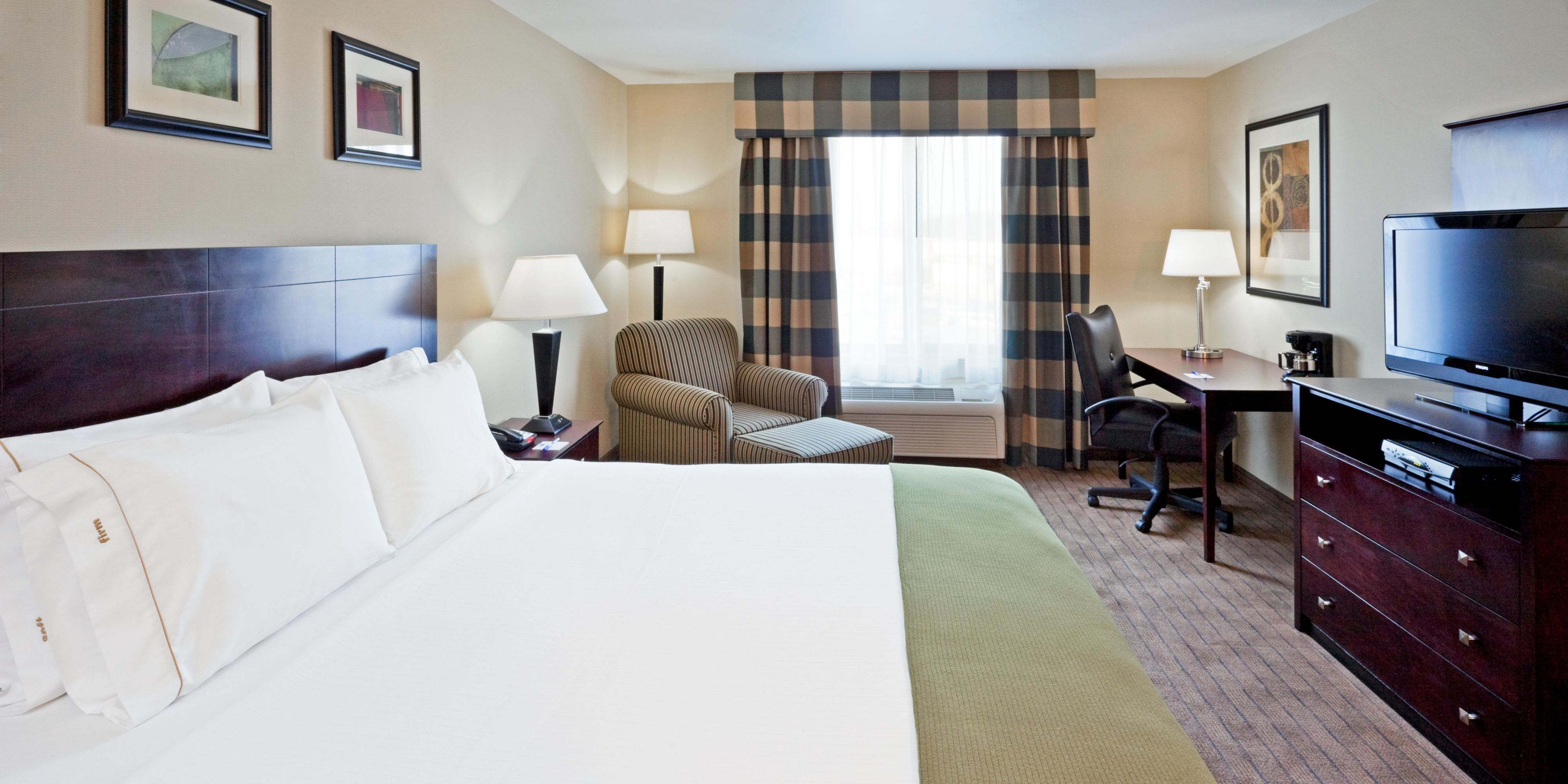 Holiday Inn Express & Suites Syracuse North - Airport Area Hotel by IHG