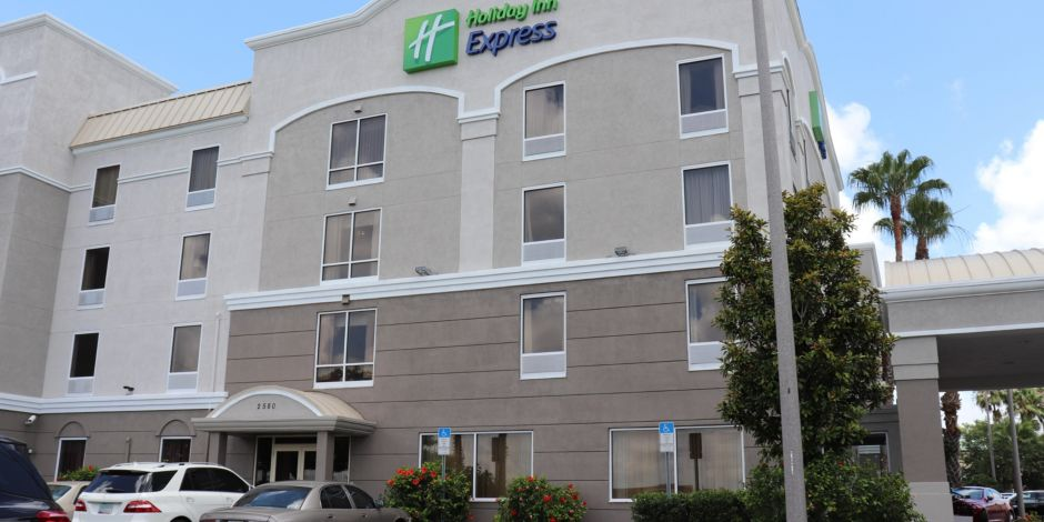 Holiday inn express suites clearwaterus 19 n hotel by ihg reheart Gallery