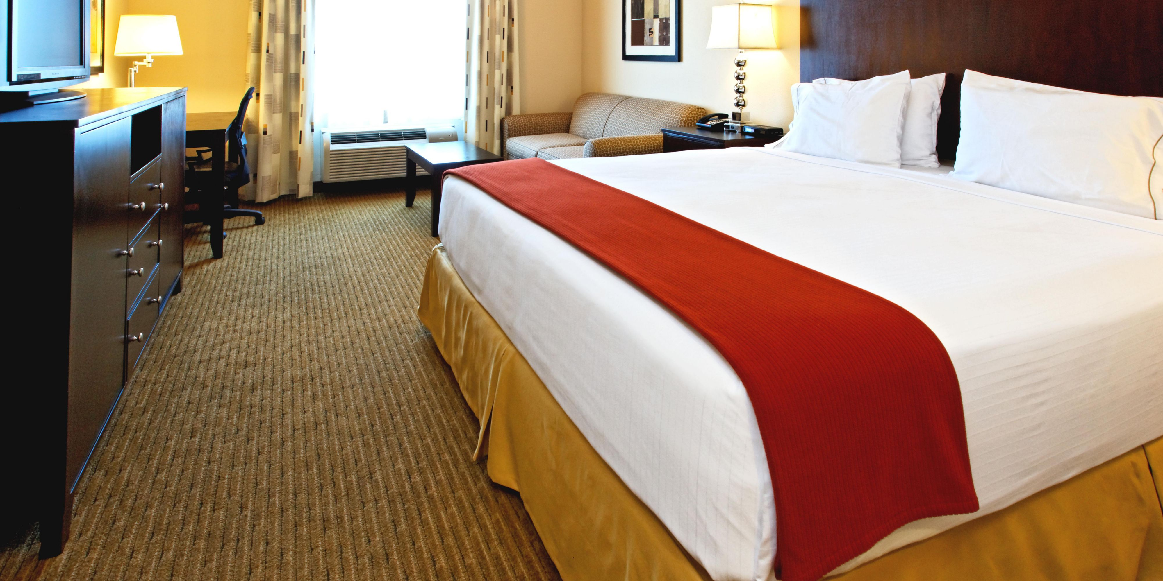 Holiday Inn Express And Suites Cleburne 4247275991 2x1