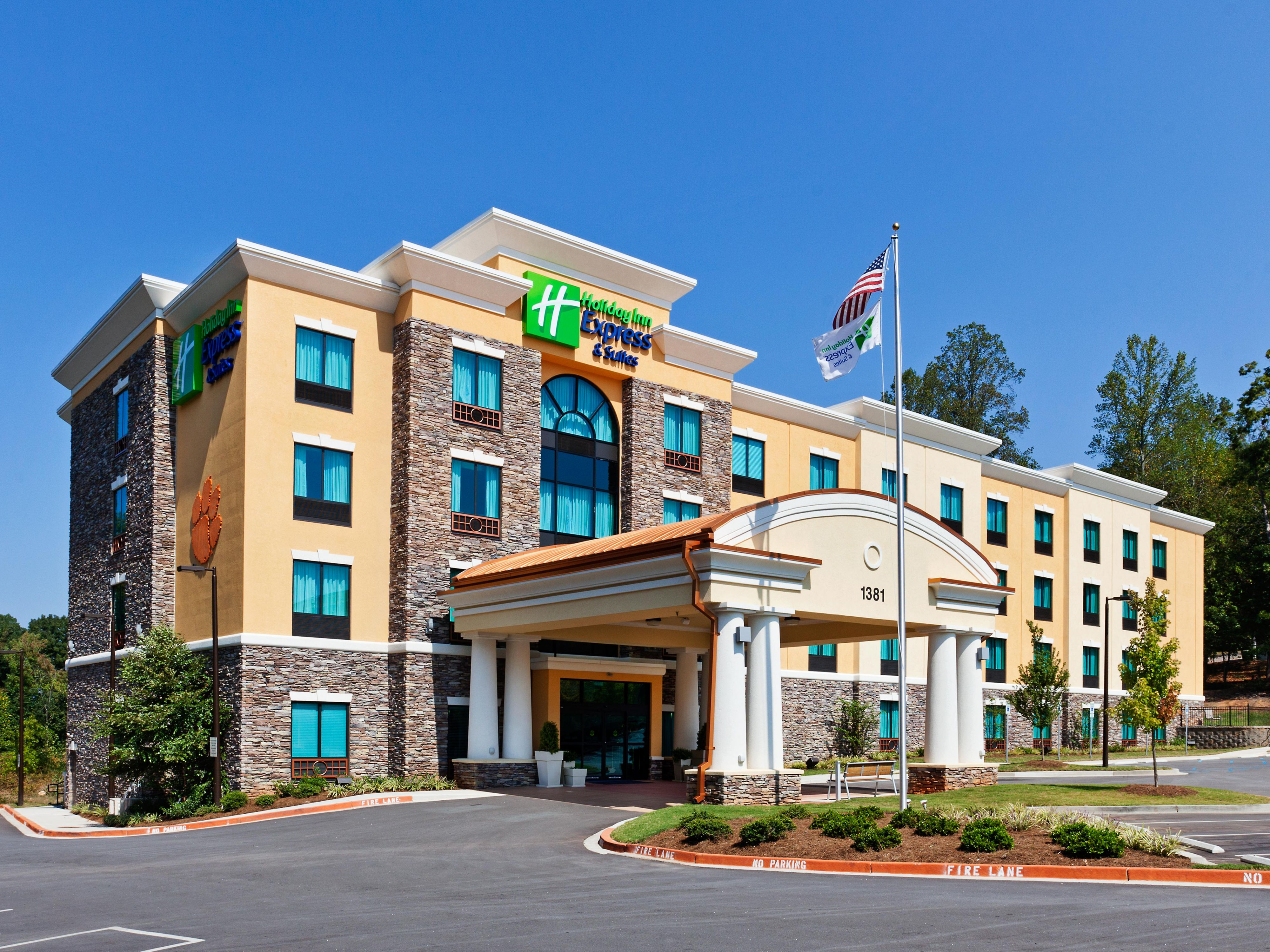 Holiday Inn Express & Suites - Go Tigers
