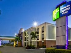 Holiday Inn Express & Suites Clewiston in Clewiston, Florida