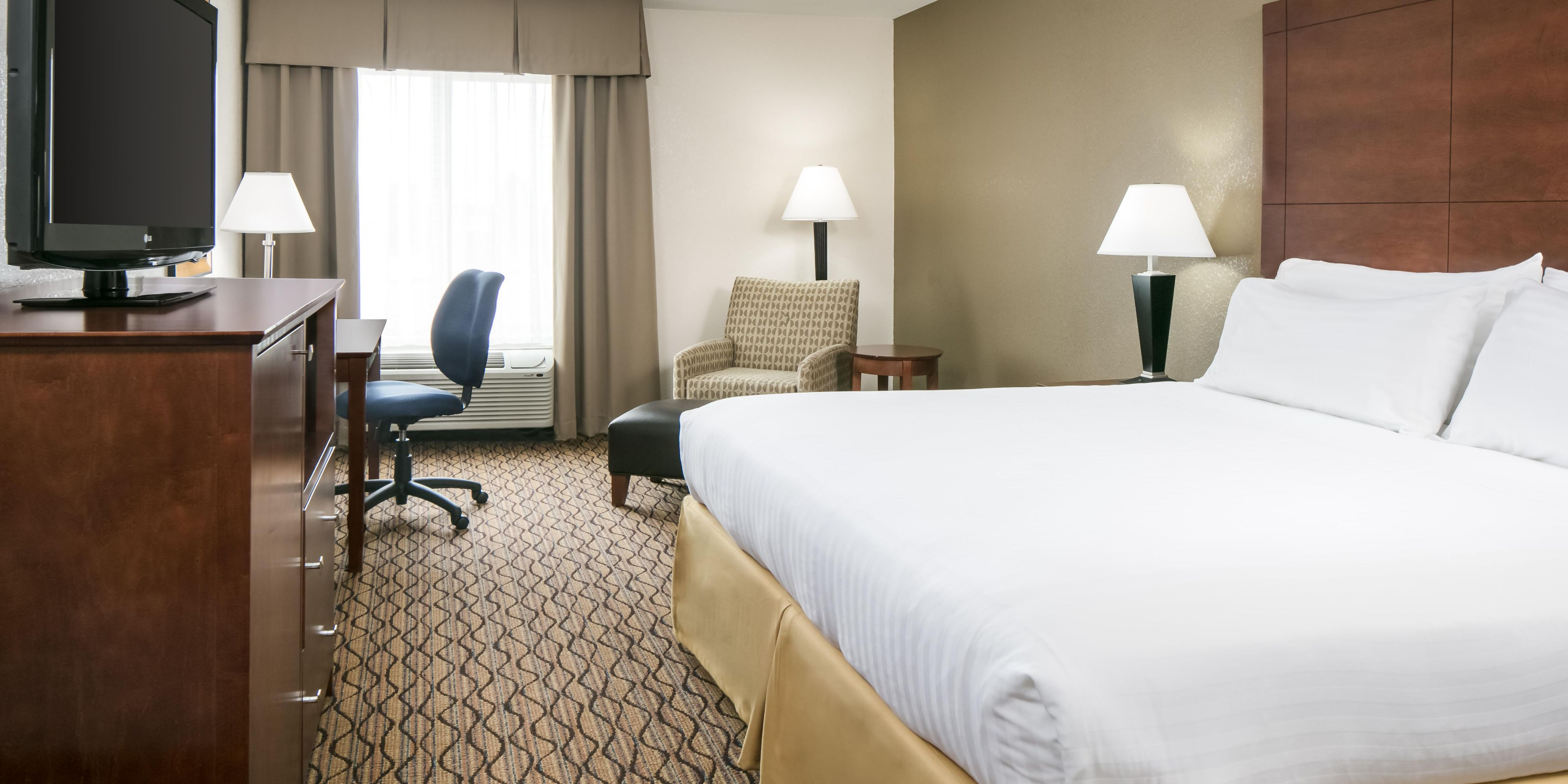 Holiday Inn Express And Suites Clinton 5330686521 2x1