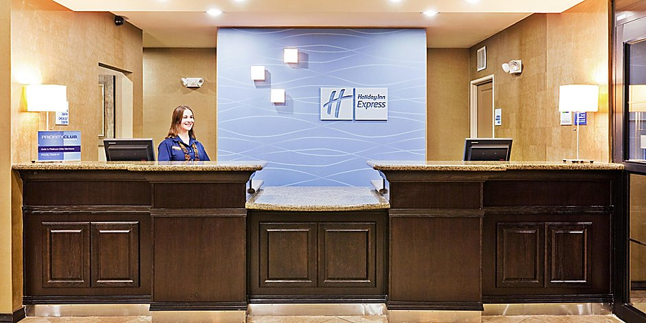 Holiday Inn Express & Suites Clovis Hotel by IHG