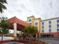 Holiday Inn Express & Suites Cocoa Beach in Titusville, Florida