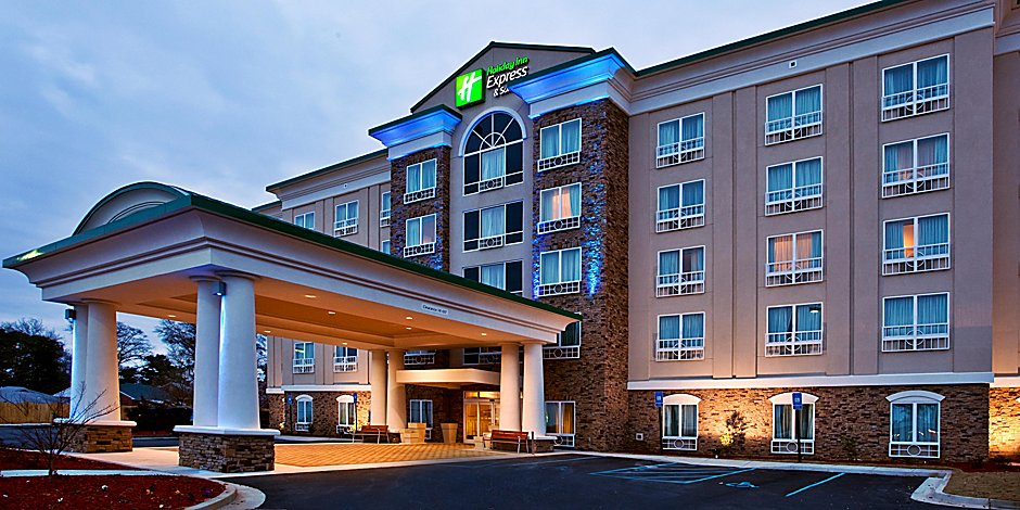 Holiday Inn Express & Suites Columbus-Fort Benning Hotel by IHG