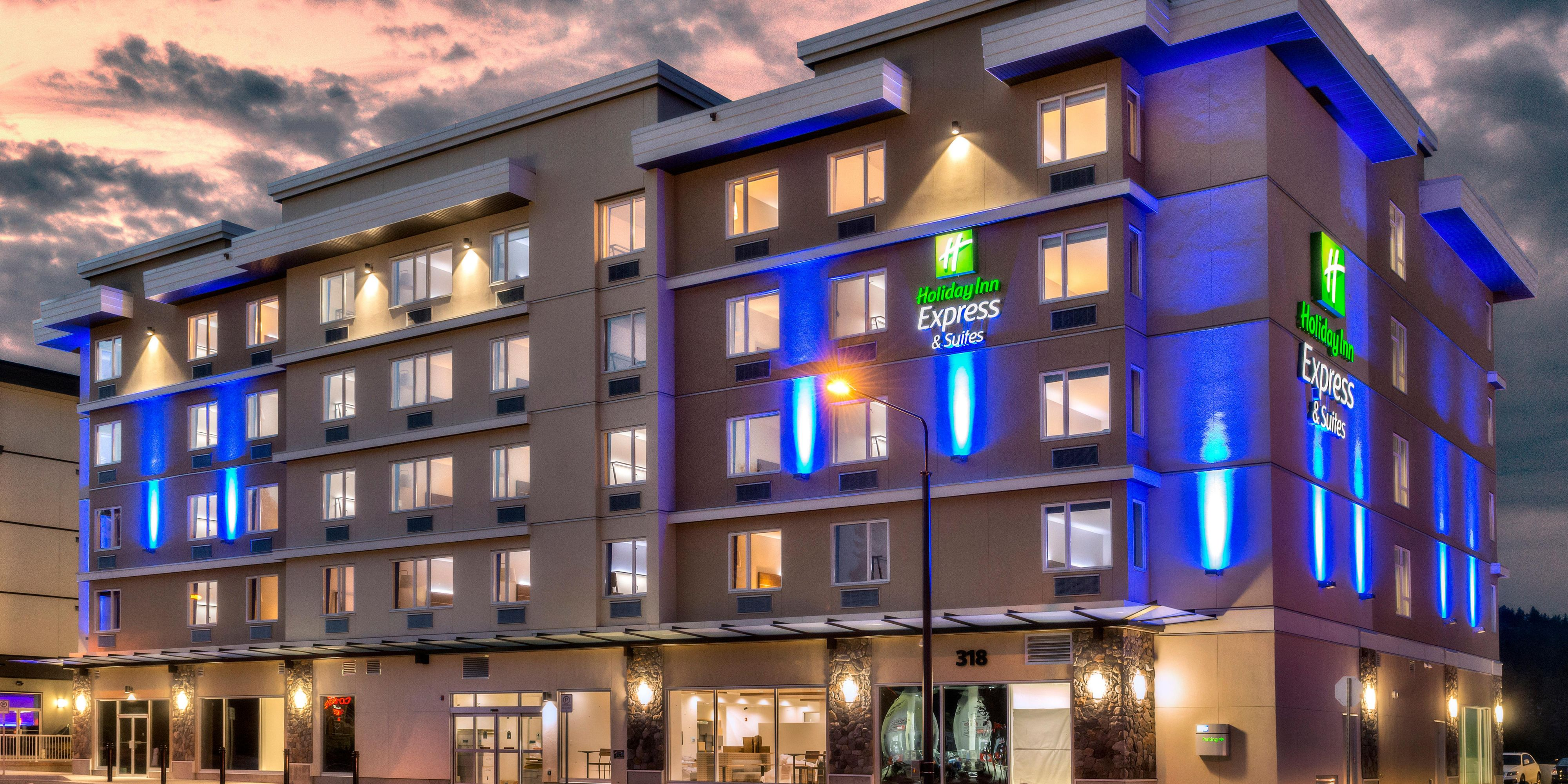 Holiday Inn Express Suites Victoria Colwood Hotel In
