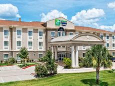 Holiday Inn Express & Suites Cotulla in Cotulla, Texas