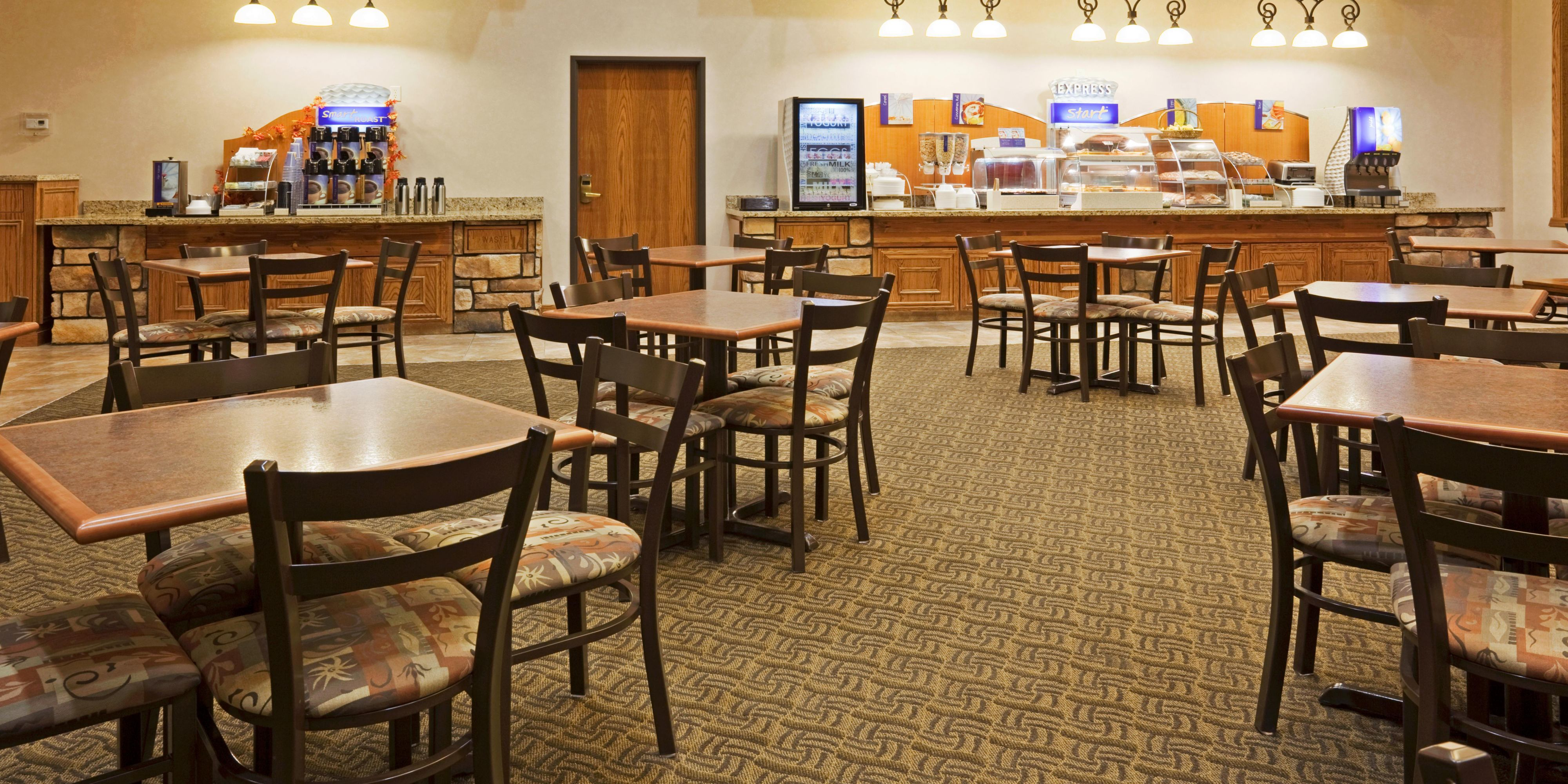 Holiday Inn Express And Suites Custer 4231701602 2x1