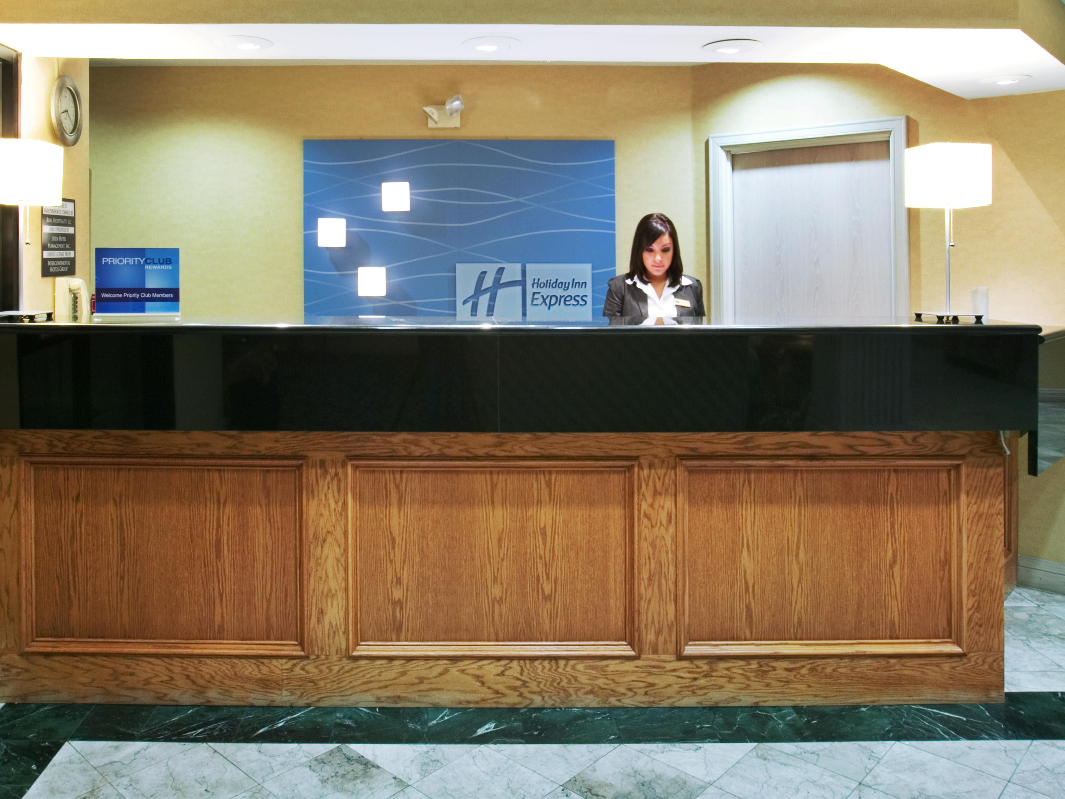 Holiday Inn Express Dallas Front Desk