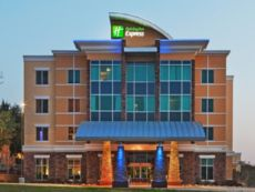Holiday Inn Express & Suites North Dallas at Preston in Garland, Texas