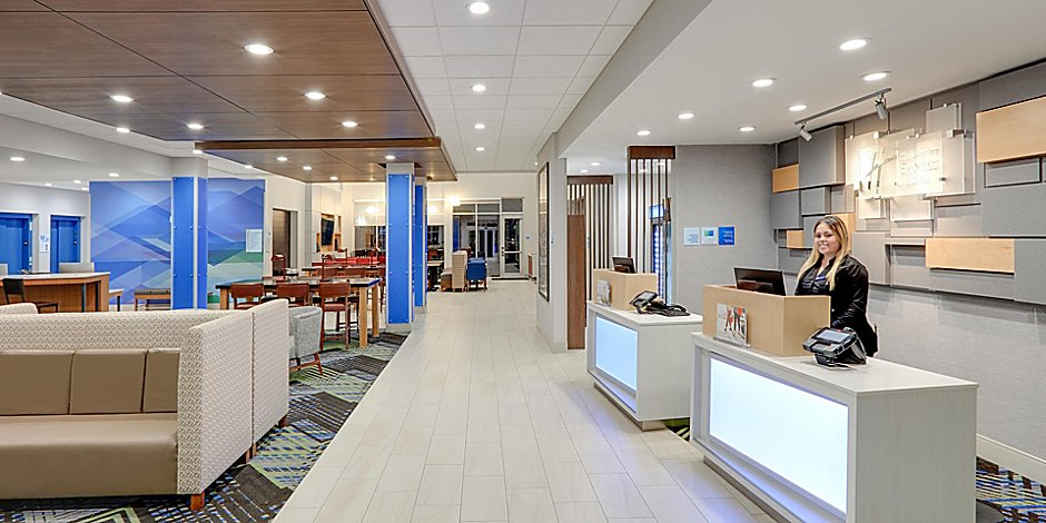 Hotels near Love Field   Holiday Inn Express & Suites Dallas