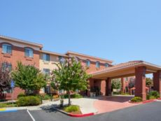 Holiday Inn Express & Suites Davis - University Area in West Sacramento, California