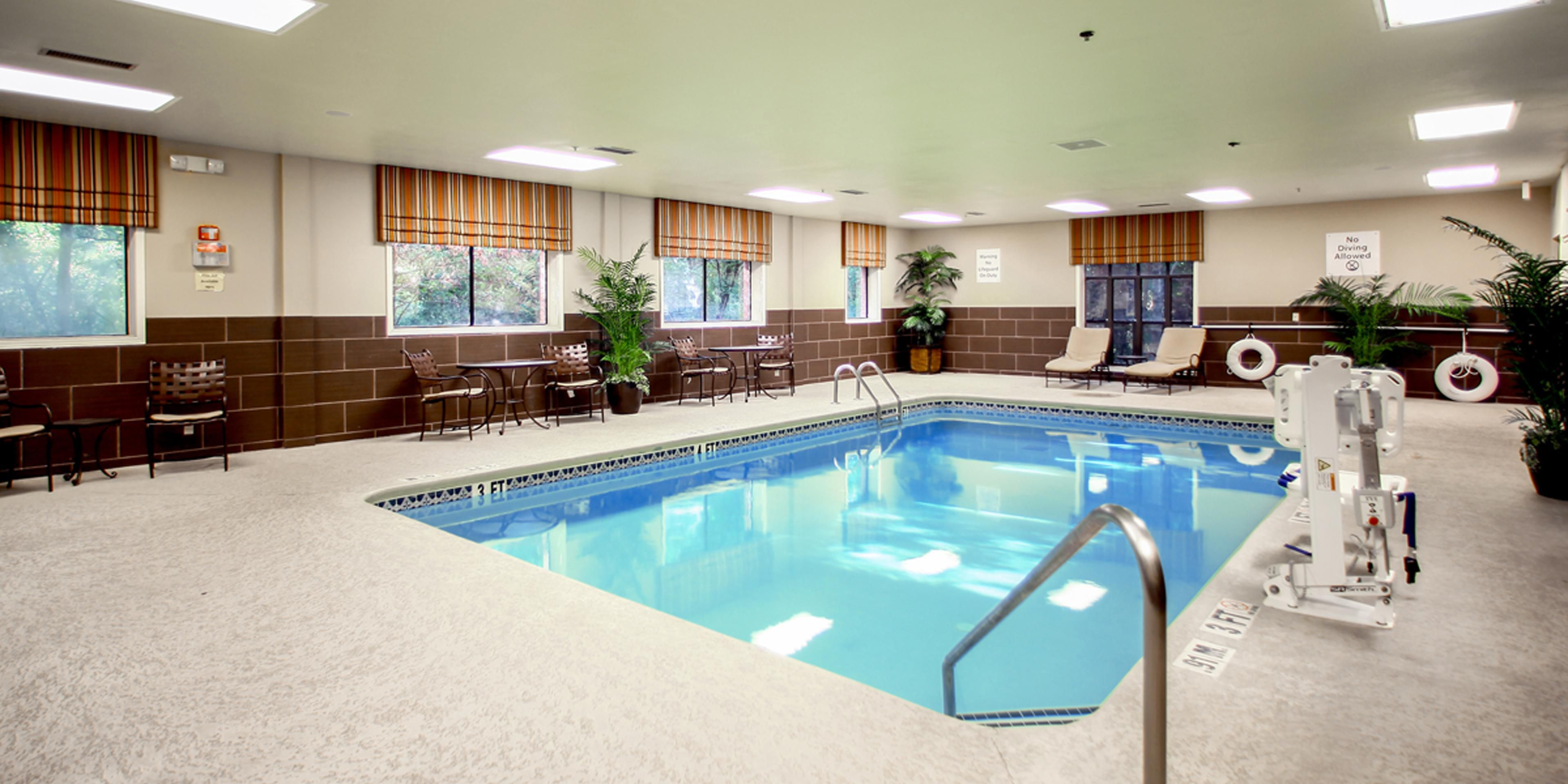 Holiday Inn Express And Suites Decatur 4047085935 2x1