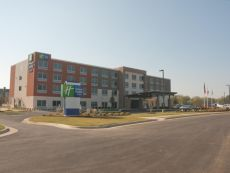 Holiday Inn Express & Suites Decatur in Huntsville, Alabama