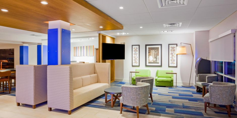holiday inn express suites des moines downtown hotel by ihg