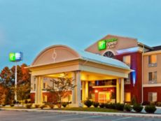 Holiday Inn Express & Suites Dickson in Hurricane Mills, Tennessee