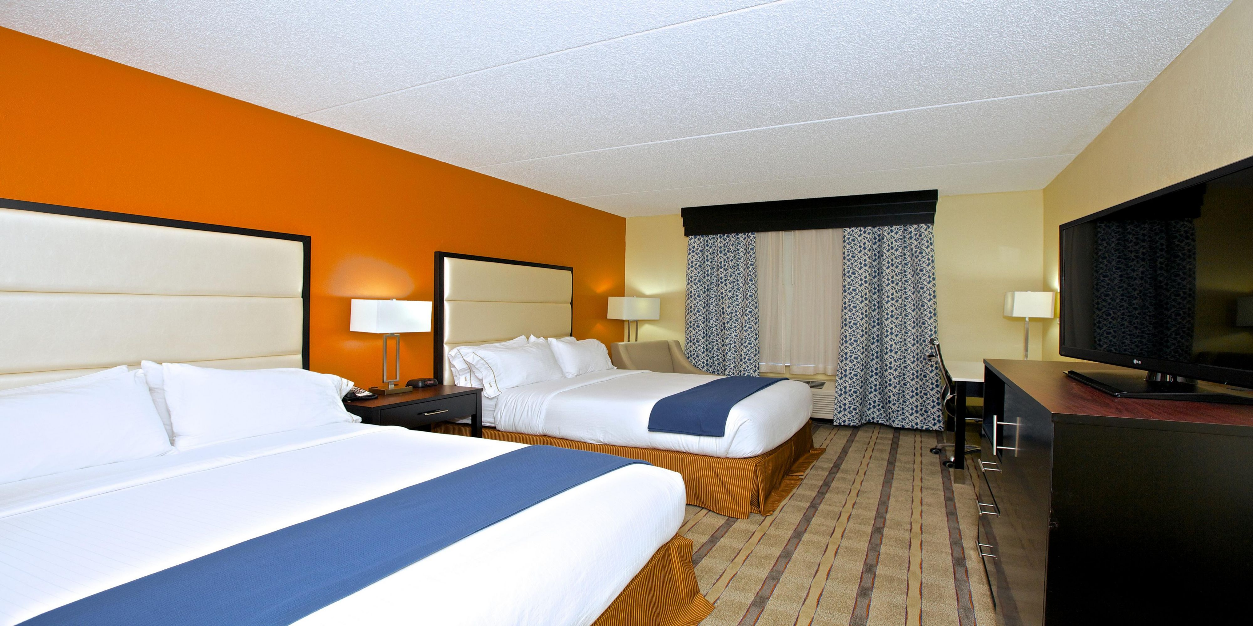 Holiday Inn Express And Suites Duluth 3686282359 2x1