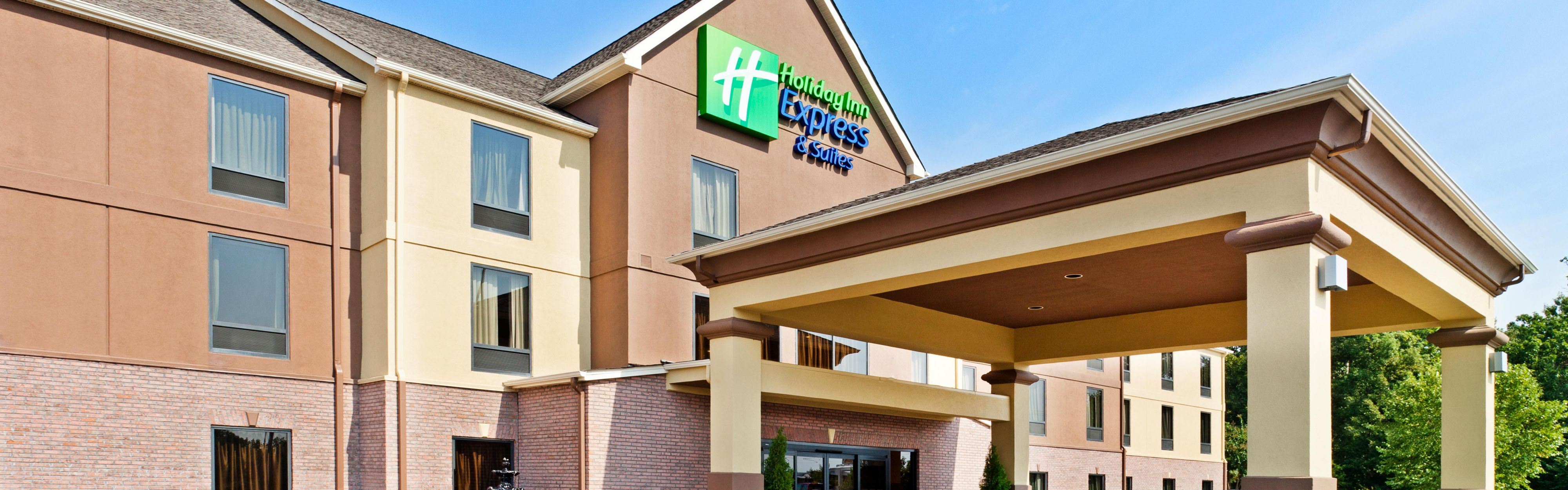 Gallery Of Front Desk Hotel Exterior With Hotels Near Greenville Sc Airport