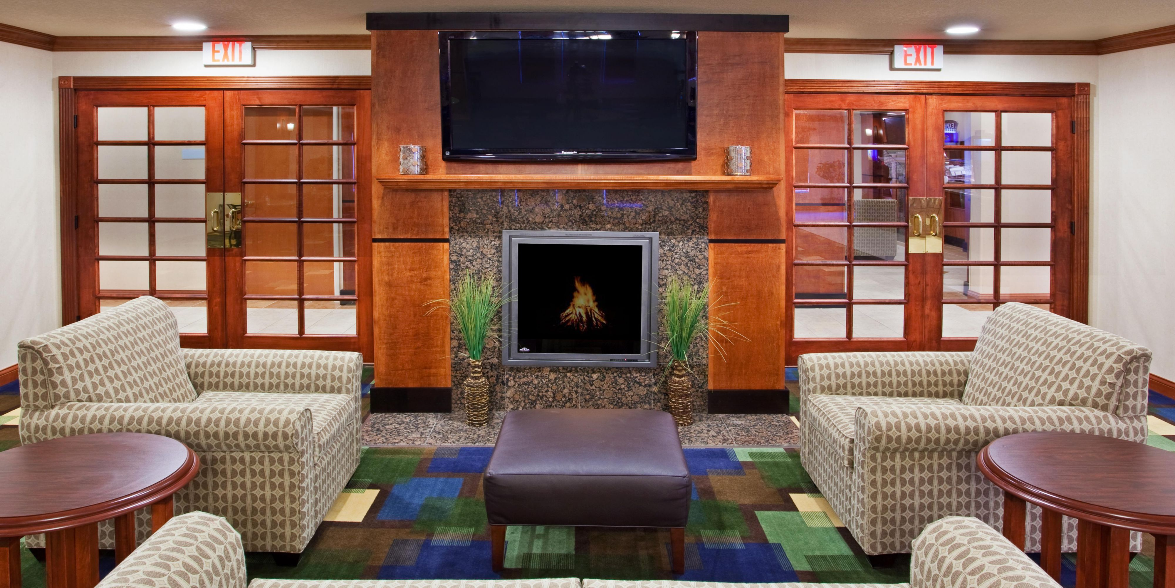 Incroyable ... Suites East Lansing; Relax In Our Comfortable Lobby, Catch The News  U0026amp; ...
